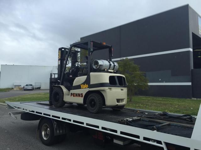 Forklift on tilt tray